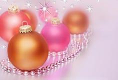 Bolas en colores pastel de la Navidad Imágenes de archivo libres de regalías