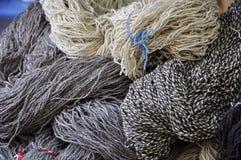 Bolas grises y blancas de las lanas Imágenes de archivo libres de regalías