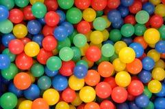 Bolas plásticas coloridas Imágenes de archivo libres de regalías
