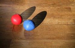 Bolas que hacen juegos malabares Fotografía de archivo libre de regalías