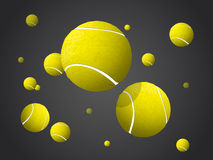 Bolas que voam, queda de MovingTennis isolada no fundo escuro Imagem de Stock