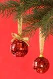 Bolas rojas del espejo fotografía de archivo libre de regalías