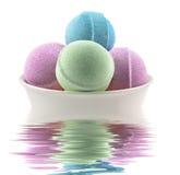 Bolas y vela del baño Foto de archivo libre de regalías