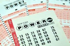 Boletos de lotería de Powerball imagenes de archivo
