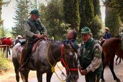 BOLGHERI, TOSKANA: am 27. September 2008 - ein Pferd zwischen Wäldern Lizenzfreie Stockbilder