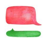 Bolha do discurso da aquarela no fundo branco Elemento desenhado à mão vibrante da nuvem verde e vermelha da bolha do texto Imagem de Stock Royalty Free
