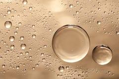 Bolhas da água no vidro Foto de Stock Royalty Free