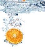 Bolhas da laranja e de ar Fotos de Stock Royalty Free