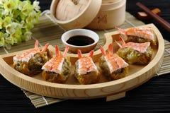 Bolinha de massa do camarão (camarão Shumai) fotografia de stock