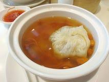 Bolinha de massa na sopa Foto de Stock