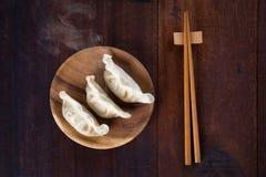 Bolinhas de massa asiáticas do alimento imagens de stock