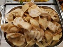 Bolinhas de massa cozinhadas com batatas imagens de stock