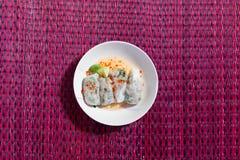 Bolinhas de massa cozinhadas tailandesas da pele do arroz Imagens de Stock