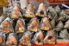 bolinhas de massa Pirâmide-dadas forma Imagens de Stock Royalty Free