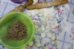 Bolinhas de massa, ravioli Fotografia de Stock