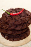 Bolinhos americanos do estilo da microplaqueta de chocolate empilhados Fotos de Stock