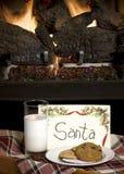 Bolinhos & leite para Santa Fotos de Stock