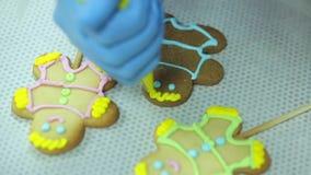 Bolinhos caseiros do pão-de-espécie do Natal video estoque