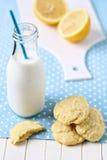 Bolinhos da farinha de milho do limão Imagens de Stock