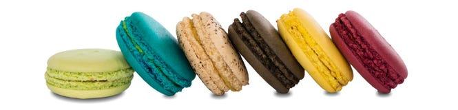 Bolinhos de amêndoa coloridos franceses tradicionais  Imagens de Stock