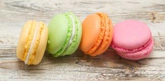 Bolinhos de amêndoa franceses coloridos cor pastel do vintage Imagem de Stock Royalty Free