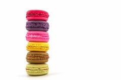 Bolinhos de amêndoa ou macaron francês doce e colorido imagem de stock royalty free