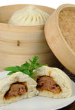 Bolinhos de massa cozinhados chineses Imagem de Stock