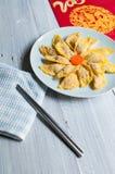Bolinhos de massa Handmade do ovo para o festival de mola de China Foto de Stock