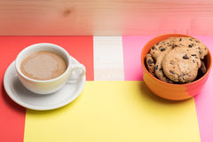 Bolinhos de microplaqueta do café e de chocolate Fotos de Stock