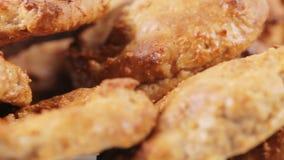 Bolinhos de oatmeal caseiros vídeos de arquivo