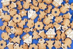 Bolinhos do pão-de-espécie do Natal fotos de stock royalty free