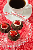 Bolinhos do thumbprint do chocolate Imagens de Stock