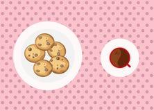 Bolinhos e café de microplaqueta de chocolate Fotos de Stock