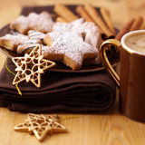 Bolinhos e café do Natal Imagem de Stock Royalty Free