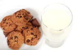 Bolinhos e leite Imagem de Stock Royalty Free