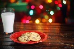Bolinhos e leite do Natal Fotos de Stock Royalty Free