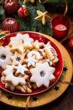Bolinhos e pão-de-espécie do Natal Imagens de Stock