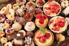 Bolinhos e sobremesas Assorted fotografia de stock