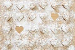 Bolinhos Heart-shaped do Natal fotografia de stock royalty free