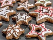 Bolinhos Star-shaped do pão-de-espécie foto de stock