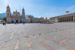 Bolivar fyrkant och domkyrka av Colombia Bogota royaltyfri bild
