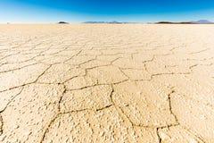 Bolivia för Salar De Uyuni salt jordökensikt landskap Arkivbild