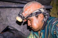 Bolivianischer Bergmann in Bergwerk Potosis Cerro Rico lizenzfreie stockfotografie