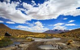 Bolivianska Altiplano, en - rutt in mot Uyuni Arkivbild