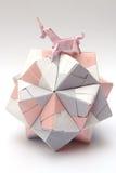 Boll för papper för origamienhörningridning Arkivbild