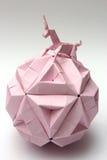 Boll för papper för origamienhörningridning Royaltyfria Bilder