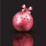 Bolla e nastro rosa con il Natale fondo ed il vettore della cartolina d'auguri Royalty Illustrazione gratis