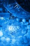 Bollar för julgarneringblått Arkivfoto