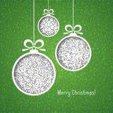 Bollar för vit jul som göras av silver, blänker, klipper papper på grön bakgrund vektor illustrationer