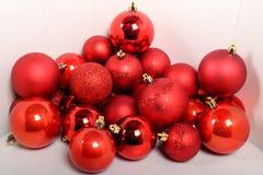 Bollar för Xmas-trädgarneringen Royaltyfri Fotografi